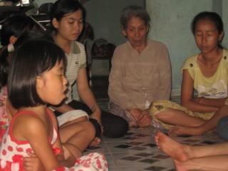 Một nhóm cầu nguyện tại Đà Nẵng