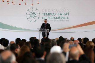 Tổng Thư Ký Bộ Trưởng Nicolás Eyzaguirre Đại Diện cho Tổng Thống Chile phát biểu trước toàn thể quan khách tại buổi lễ tiếp đón.