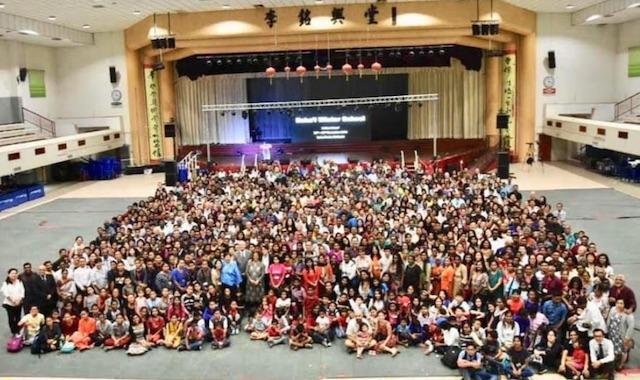 Khoảng 2000 người tham dự khoá học mùa đông Malaysia.