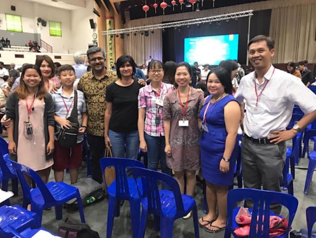 Một số tín đồ Baha'i Việt Nam đã có thể tham gia khóa học mùa đông trong dịp này.